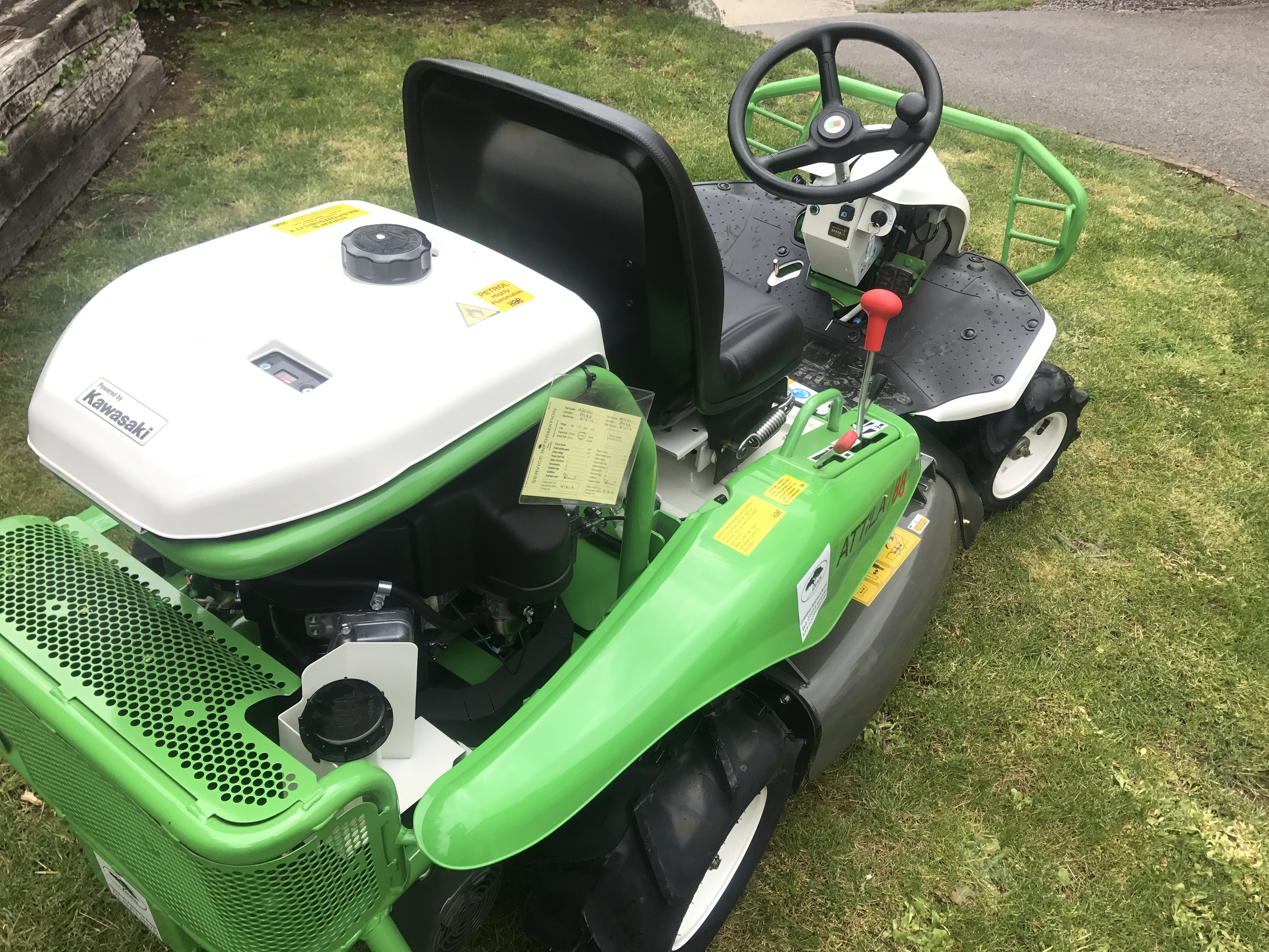Etesia Brushcutter Ride On Mower Hire